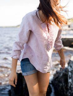 LINEN Ruffle Shirt -pellavapusero, vaaleanpunainen | PURA Finland Bell Sleeves, Bell Sleeve Top, Ruffle Shirt, My Style, Finland, Shirts, Tops, Women, Fashion