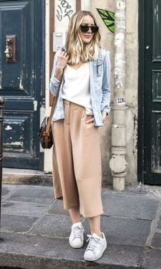 44 Inspiration Outfits Trending This Winter – Fashion New Trends style Of The Best Outfits Street Style Outfits, Casual Outfits, Fashion Outfits, Womens Fashion, Fashion Trends, Culottes Street Style, Fashion Inspiration, Culottes Outfit, Cozy Outfits