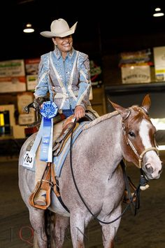 Ona Good Kiss and Susan Johns win the 2-year-old non-pro western pleasure futurity at the 2015 Oregon Summer Classic