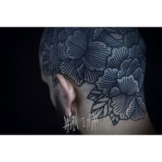 I am very proud to have made this floral crown on my friend Antoine to celebrate the end of is apprenticeship ,it was intense to do this one but thks you for trusting me. Neo Tattoo, Photo Instagram, Instagram Posts, Rite Of Passage, Neo Traditional Tattoo, Nature Tattoos, Floral Crown, Skin Art, White Ink