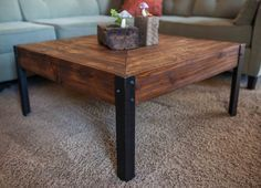 Pallet Wood and Metal Leg Coffee Table by woodandwiredesigns Metal Furniture, Pallet Furniture, Furniture Projects, Rustic Furniture, Wood Projects, Furniture Chairs, Furniture Plans, Garden Furniture, Bedroom Furniture