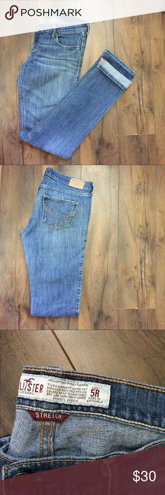 ❗️REDUCED❗️Hollister Co. Laguna Skinny Jeans 👖 Hollister Co. Laguna Skinny Jeans 👖 Light blue jeans so soft and stretchy! Light whiskering near the pockets to accentuate every figure! 💁🏻 Looks great cuffed with wedges or ankle booties to dress up or down! No returns 💙 Hollister Jeans Skinny