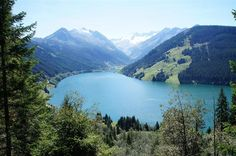 Speicher Durlassboden - Another artificial lake in the Zillertal valley is lake Durlassboden. This lake is fed by the Gerlosbach river which also serves as the natural border between the municipalities of Tyrol and Salzburg.
