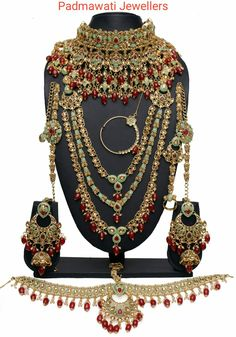 jewellery shop near me - Get your premium jewelry at your doorstep with latest offers and designs. Best jewelry shop for your choice Bridal Jewellery Inspiration, Indian Bridal Jewelry Sets, Indian Jewelry Earrings, Wedding Jewelry Sets, Antique Jewellery Designs, Fancy Jewellery, Diamond Jewellery, Bridesmaid Accessories, Bridal Accessories