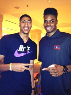 Two former UK greats Anthony Davis and Nerlens Noel (and back-to-back number one picks?) run into each other at the NBA Draft combine. Uk Wildcats Basketball, I Love Basketball, Basketball Season, Kentucky Basketball, Football, Kentucky Wildcats, Go Big Blue, Blue And White, American Football