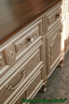 caromal colours, reclaim, fabulous finishes, shop.fabfinisher.com,wood grain top, metallic finish, coupon code PattyH