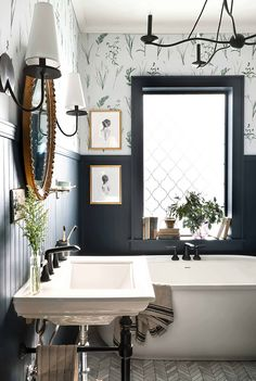 Bad Inspiration, Bathroom Inspiration, Bathroom Ideas, Bathroom Organization, Shower Ideas, Vintage Bathroom Decor, Bathroom Tubs, Concrete Bathroom, Bathroom Mirrors