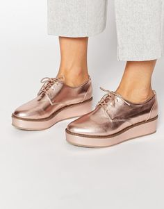 Buy ASOS MUSTER Flatform Lace Up Shoes at ASOS. Get the latest trends with ASOS now. Metallic Shoes, Silver Shoes, Lace Up Shoes, New Shoes, Me Too Shoes, Flat Shoes, Mode Shoes, Tenis Casual, Trendy Shoes