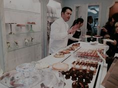 Gâteaux Thoumieux, la pâtisserie de Jean-François Piège   Restos à Paris à moins de 15 euros par deux parisiennes avisées.
