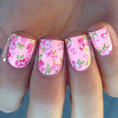 Flower Nails by Instagrammer @just1nail