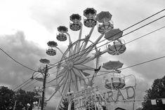 Ausflug in den Böhmischen Prater - Ausflugstipp von christine unterwegs Wiener Prater, Ferris Wheel, Fair Grounds, Coffee Cups, Past
