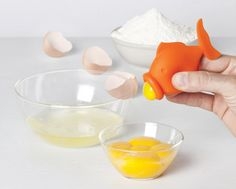 YolkFisch: A Squeezable Fish That Separates Egg Whites & Yolks by Peleg Design