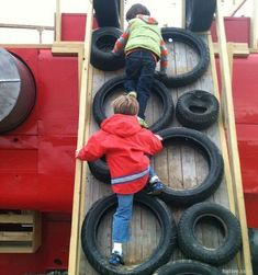 Easy Ideas for reusing tyres in outdoor play areas and backyards. A huge collection of ideas and inspiration for reusing tyres in outdoor play creatively & safely. Save money on outdoor play equipment by upcycling! Project & safety tips included for early Outdoor Play Spaces, Outdoor Fun, Outdoor Toys, Forts For Kids Outdoor, Childrens Outdoor Play Equipment, Kids Play Equipment, Outdoor Playset, Backyard Playground, Playground Ideas