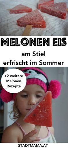 Melone und SOmmer gehören zusammen! Am Blog verrate ich euch das Rezeot für das einfachste Eis der Welt: Melonen Eis. Und noch zwei andere Ideen für Sommererfrischungen mit Melone! (Melonen Rezept, Rezepte mit Melone)