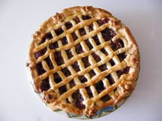 Lattice Plum Pie: This is a delish Hungarian plum pie recipe that I learned from my husband's grandmother. Plum Pie Recipe, Plum Seed, Pie Recipes, Cooking Recipes, Pie Pan, Cinnamon Powder, Hungarian Recipes, Food Print, Main Dishes