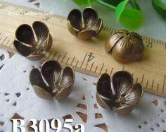10pcs 12mm brass plated Bronze filigree bead caps Flower by diyla