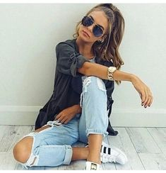 Ripped jeans + shirt casual outfit