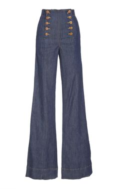 This **Ulla Johnson** Ashton Flared Jean features a high waisted silhouette with a slim fitting silhouette and flared hemline. Shoes With Jeans, Jeans Pants, Trousers, Fashion Pants, Fashion Outfits, Dope Fashion, How To Wear Sneakers, Mode Vintage, Ulla Johnson