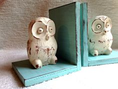 Owl on Robin's Egg Blue Bookends Shabby by robinseggvintageNC