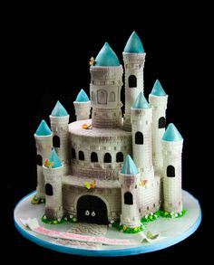 Cinderella Castle Shaped cake #birthday #birthdaycake #cakes #cake #kids #kidsforcakes #cakeinspiration #custom #color #fun  #Disney #customcakes #Disneycakes #princess #princesscake #disneyprincess