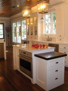 Lowcountry Home Plan Kitchen Photo 04 024S-0022  from houseplansandmore.com