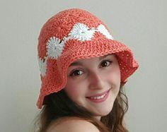 Stacked Shells Slouchy Beanie Crochet Pattern por TheLavenderChair