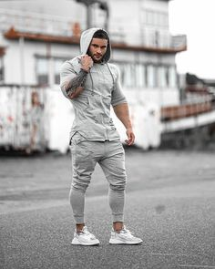 Stylish Mens Outfits, Stylish Boys, Gym Outfit Men, Man Dressing Style, Fitness Photoshoot, Best Mens Fashion, Gym Style, Muscular Men, Gym Wear
