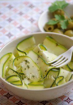 Calabacín en vinagre Raw Vegan, Vegan Vegetarian, Zucchini Pickles, Pickled Zucchini, Comida Keto, Canapes, Vegetable Recipes, Cucumber, Nom Nom