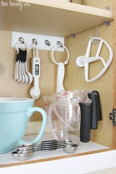 Great ideas for helping to organize a Kitchen Cabinet!