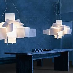 haus® is official stockist of all Foscarini lighting. Big Bang by Foscarini is a suspension lamp made of intersections of white or coloured metacrylate panels. Big Bang, Acrylic Chandelier, Modern Chandelier, Modern Lighting, Italian Lighting, Lighting Ideas, Ceiling Lamp, Ceiling Lights, Luminaire Design