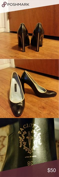 Cesare Paciotti Pump Gold heel accent*** Made in Italy IT 38, fits like a 7 Cesare Paciotti Shoes