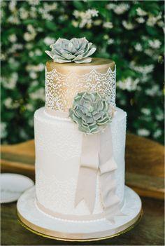gold and white succulent cake @weddingchicks