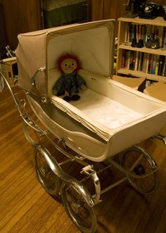 Vintage baby carriages for retro baby. Visit my blog   http://cdiannezweig.blogspot.com/ and my site http://iantiqueonline.ning.com/    Best of Dottie – Modern Kiddo