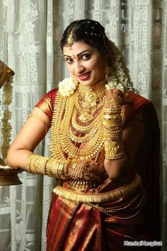 A bride with 5 Kg. South Indian Bridal Jewellery, Indian Bridal Fashion, Indian Wedding Jewelry, Bridal Jewelry, Beautiful Indian Brides, Indian Wedding Bride, Indian Actress Gallery, Kanchipuram Saree, Stylish Girl Pic