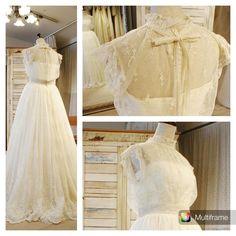 マリアエマリエの ひそかな人気ドレス 「コスモス」 遅くなりましたが本日よりHPでも 公開しております♪ #マリアエマリエ #mariaetmariee #結婚式 #結婚式準備 #ウエディング #wedding #ウエディングドレス #weddingdress