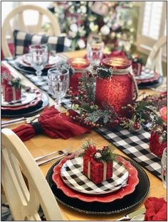 Hottest Christmas Table Decorating Ideas For You 49 Christmas decorations include outdoor decorations, indoor decorations, Christmas table decorations and other such similar decorations to create the feel of … Farmhouse Christmas Decor, Rustic Christmas, Christmas Home, Christmas Holidays, Christmas Crafts, Simple Christmas, Beautiful Christmas, Elegant Christmas, Silver Christmas
