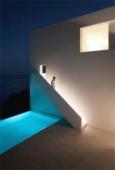 ALT | House on the cliff - Casa del acantilado - Calp, Spain - 2012 - Fran Silvestre Arquitectos #architecture #design #spain #swimmingpools #pools
