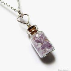 Gemstone chips vial necklace Crushed amethyst and heart por JantraK