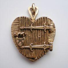 Stunning & Rare Antique Vintage 9ct Solid Gold Heart Shaped Locket Pendant; 7.6g
