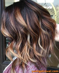 35 Short Ombre Hair Color Ideas for Brunettes That Are Trending for Short Ombre Hair Are you looking for short hair ombre? Then these 35 short ombre hair color ideas for brunettes that are trending for 2019 will be yo. Hair Color Highlights, Hair Color Dark, Hair Color Balayage, Cool Hair Color, Brown Hair Colors, Dark Hair, Eye Color, Spring Hair Colors, Brown Highlights