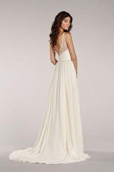 30 Casual Wedding Dresses For Effortlessly Chic Brides   HappyWedd.com
