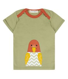This t-shirt from Sense Organics is perfect for the little ones and easy to dress. The so-called envelope collar is particularly practical. Organic Baby, Organic Cotton, Baby T Shirts, Friend Wedding, Put On, Little Ones, Parrot, Textiles, Stylish