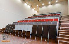 Audytoria, fotele audytoryjne AK 06 , więcej informacji na http://www.projektmebel.pl/realizacje/politechnika-lodzka