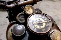 Bobber Inspiration - Bobbers and Custom Motorcycles Steampunk Motorcycle, Bobber Motorcycle, Cool Motorcycles, Vintage Motorcycles, Harley Davidson Motorcycles, Harley Bobber, Indian Motorcycles, Vintage Bikes, Vintage Cars