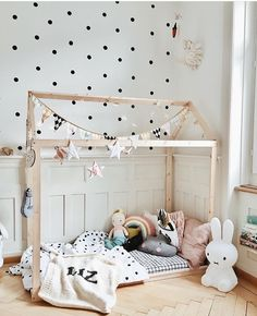 Cream blanket & dark gray name White Kids Room, Fantasy Bedroom, Big Beds, Cozy Blankets, Knitted Blankets, Kids Room Design, Interior Stylist, House Beds, Kid Spaces