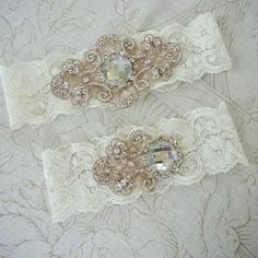 Vintage inspired wedding garters. oh cool! Didn't even think about this stuff before.