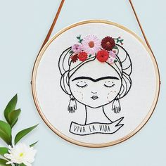 62 Ideas Embroidery Bordado Frida For 2019 Embroidery Hoop Art, Hand Embroidery Patterns, Vintage Embroidery, Cross Stitch Embroidery, Hungarian Embroidery, Embroidery Sampler, Embroidery Jewelry, Broderie Anglaise Fabric, Sewing Crafts