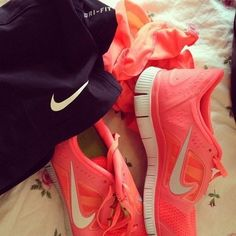 Wholesale Nike Shoes for womens, tiffany blue nikes, pink nike shoes, hot punch nikes, cheap nike frees half off Pink Nike Shoes, Nike Shoes Cheap, Pink Nikes, Running Shoes Nike, Cheap Nike, Nike Fashion, Fitness Fashion, Sneakers Fashion, Sneakers Nike