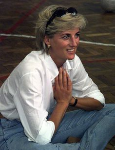 Princess Diana ~ she shook up the royal life style! (also reminds me of one of my aunts in this photo)