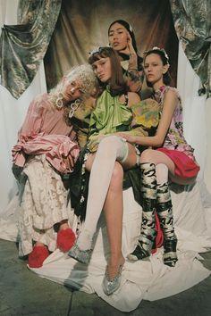 Foresight Footprints of Suburbia — Teeth Magazine Dolly Fashion, Fashion Dolls, Editorial Photography, Vintage Photography, Fashion Photography, Street Style Edgy, Model Outfits, Fashion Forever, Fashion Story